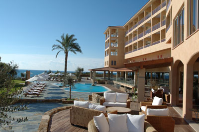 Coral Thalassa Boutique Hotel & Spa 5* - pool and terrace