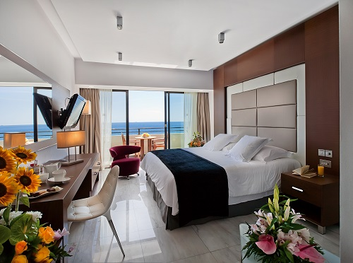 AMATHUS BEACH HOTEL 5* - Amathounta Suite bedroom