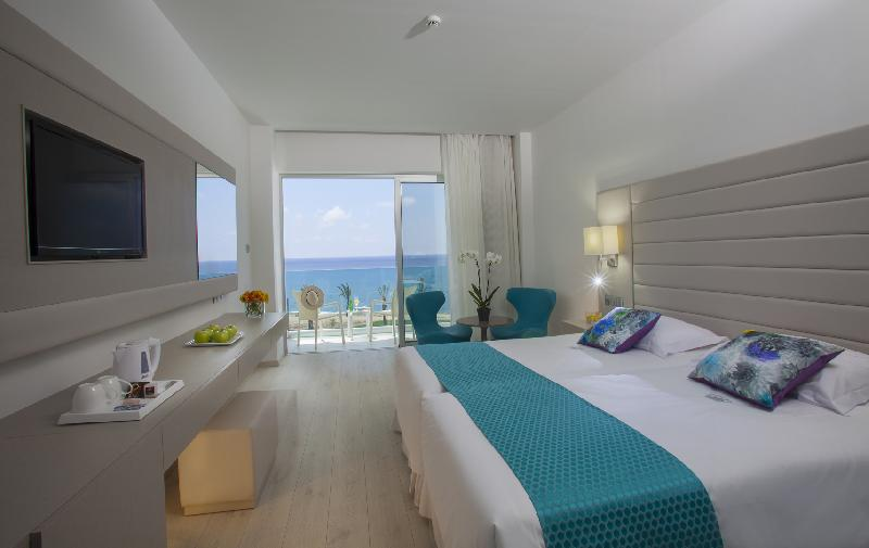 KING EVELTHON BEACH HOTEL 5* - Superior room Sea view
