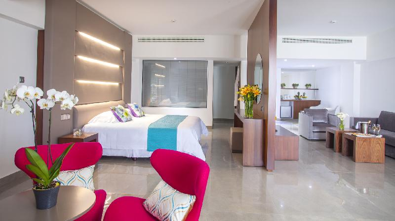 KING EVELTHON BEACH HOTEL 5* - King suite Front Sea view